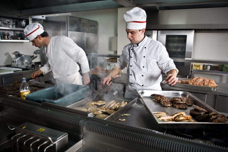 restaurant preparing for spring rush with restaurant business financing options