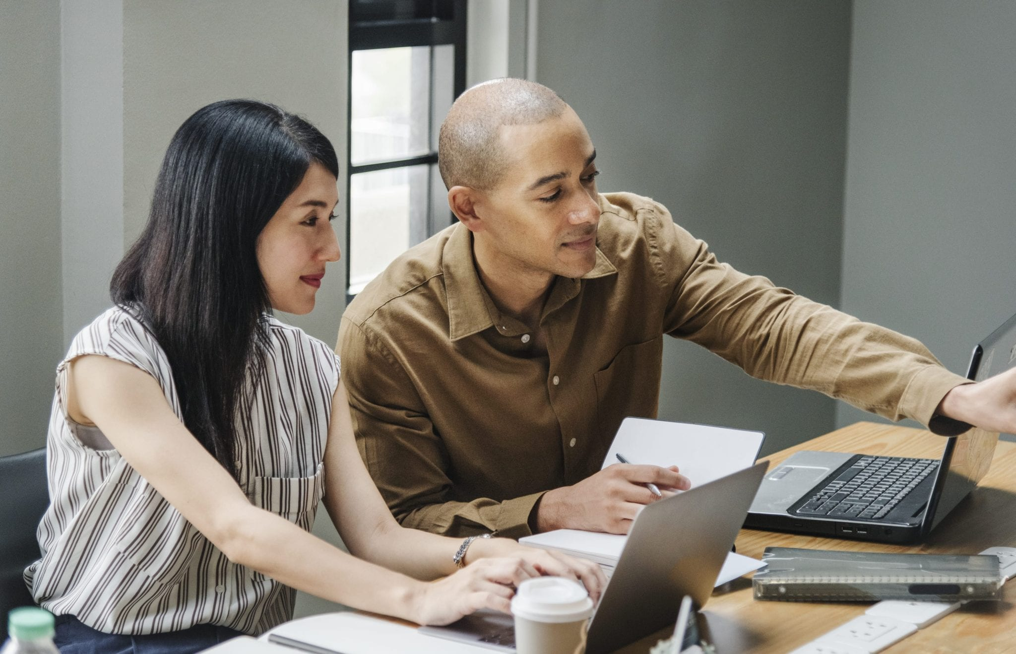 2 people applying for small business loans for minorities